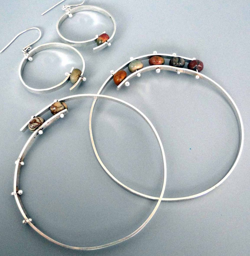mauser_debora-bypass-bangle-and-earrings_1